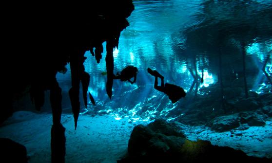 Cenote scuba